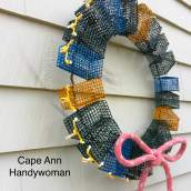 Lobster Trap Wreath colored with red bow